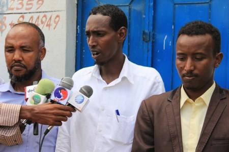 Agaasimaha Guud Ee Radio Daljir Axmed Sheikh Tollman.
