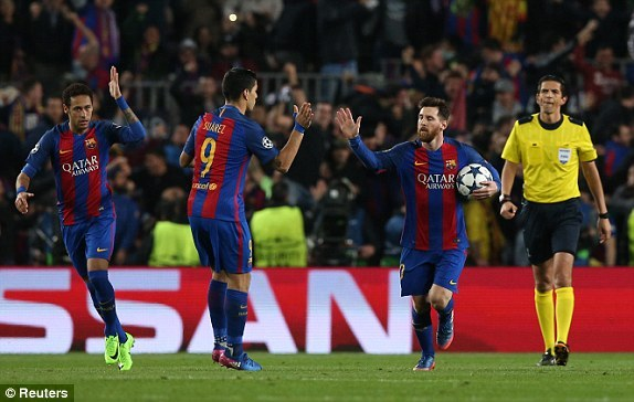 1489007354562_lc_galleryImage_Football_Soccer_Barcelona